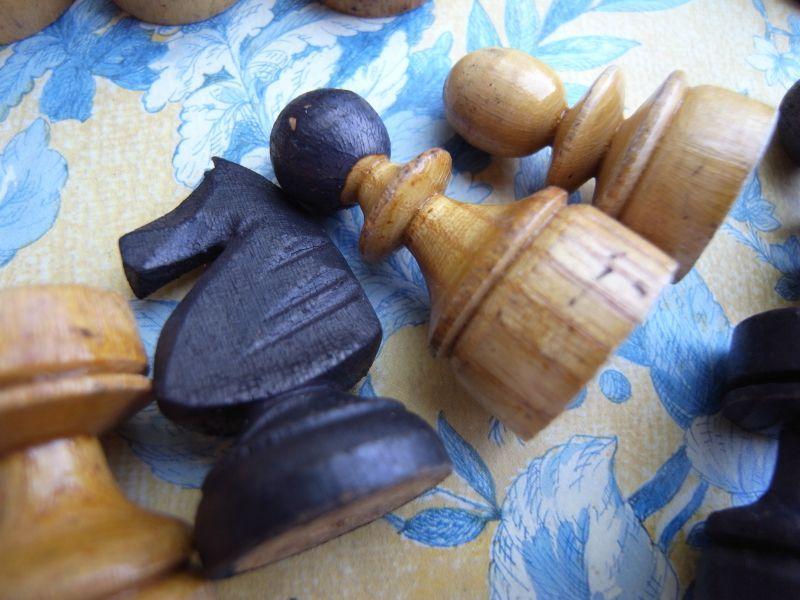 木製チェスの駒  アンティーク